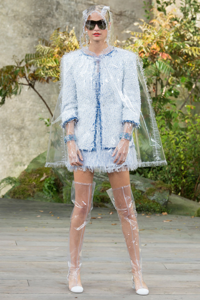 CHANEL Spring 2018 Ready-to-Wear - Look #37