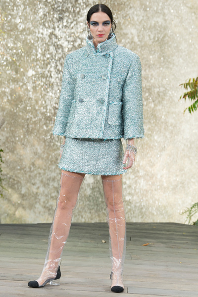 CHANEL Spring 2018 Ready-to-Wear - Look #47