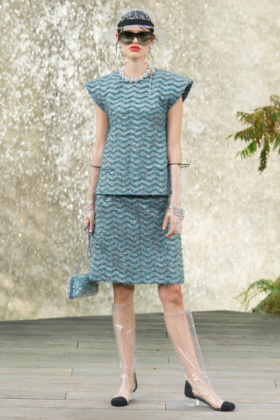 CHANEL Spring 2018 Ready-to-Wear - Look #48