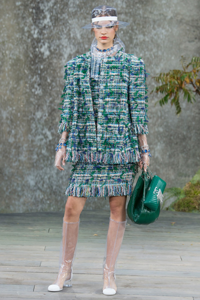 CHANEL Spring 2018 Ready-to-Wear - Look #5