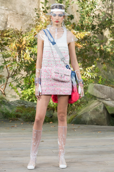 CHANEL Spring 2018 Ready-to-Wear - Look #66