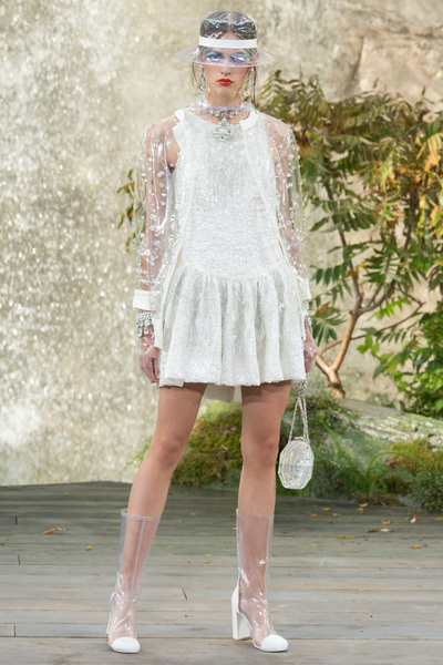 CHANEL Spring 2018 Ready-to-Wear - Look #79