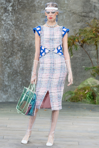 CHANEL Spring 2018 Ready-to-Wear - Look #8