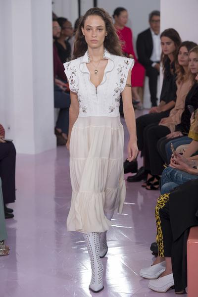 Chloe Spring 2018 Ready-to-Wear - Look #1
