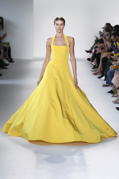 Christian Siriano Spring 2018 Ready-to-Wear - Look #30