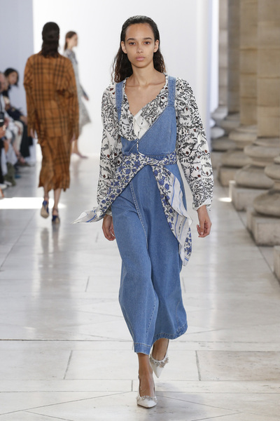 Christian Wijnants Spring 2018 Ready-to-Wear - Look #22