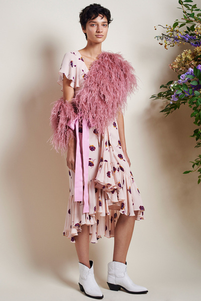 Cinq A Sept Spring 2018 Ready-to-Wear - Look #1