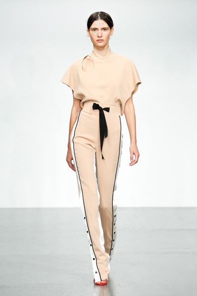 David Koma Spring 2018 Ready-to-Wear - Look #12