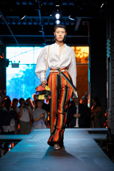 DIANE von FURSTENBERG Spring 2018 Ready-to-Wear - Look #33