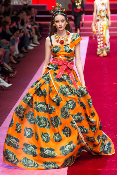 Dolce & Gabbana Spring 2018 Ready-to-Wear - Look #105