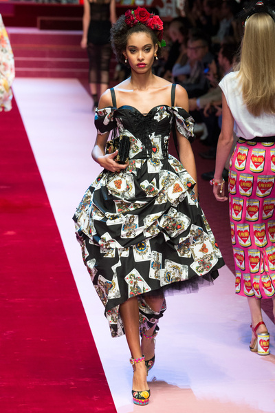 Dolce & Gabbana Spring 2018 Ready-to-Wear - Look #16
