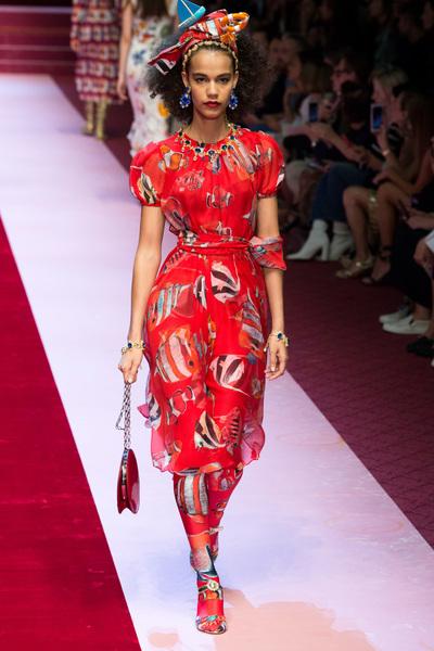 Dolce & Gabbana Spring 2018 Ready-to-Wear - Look #34