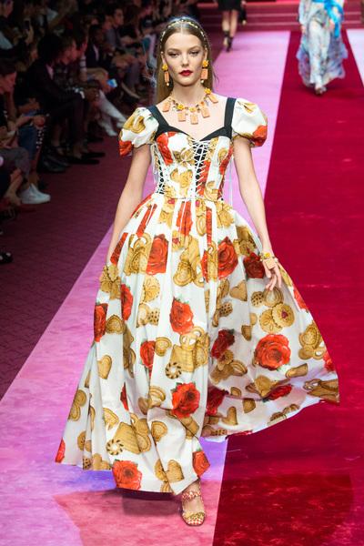 Dolce & Gabbana Spring 2018 Ready-to-Wear - Look #42