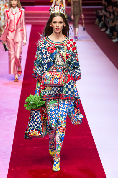 Dolce & Gabbana Spring 2018 Ready-to-Wear - Look #44