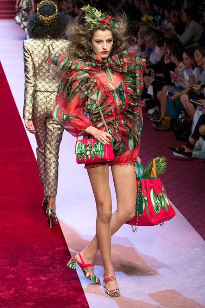 Dolce & Gabbana Spring 2018 Ready-to-Wear - Look #49