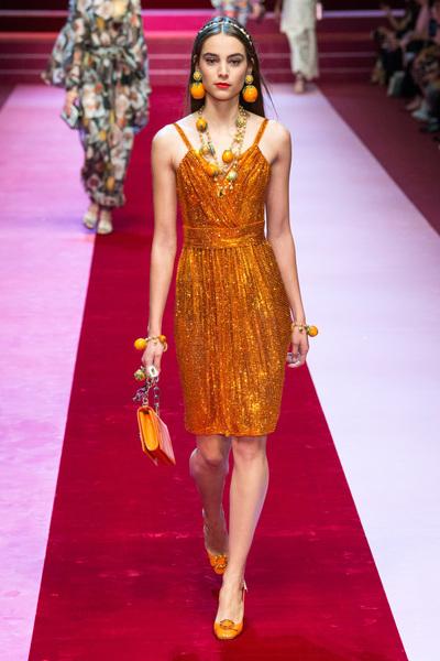 Dolce & Gabbana Spring 2018 Ready-to-Wear - Look #56