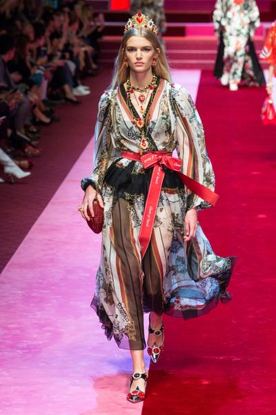 Dolce & Gabbana Spring 2018 Ready-to-Wear - Look #60