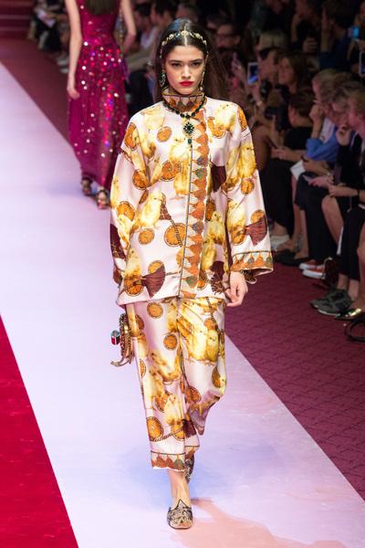 Dolce & Gabbana Spring 2018 Ready-to-Wear - Look #97