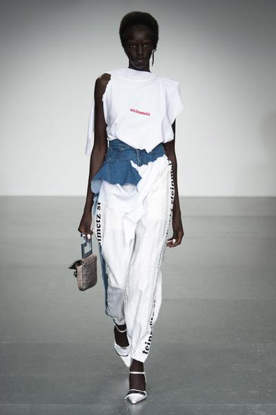 Faustine Steinmetz Spring 2018 Ready-to-Wear - Look #1