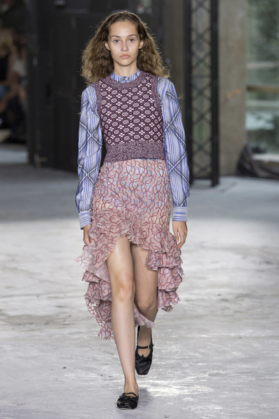 Giambattista Valli Spring 2018 Ready-to-Wear - Look #10