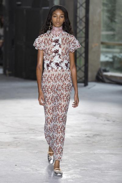 Giambattista Valli Spring 2018 Ready-to-Wear - Look #18
