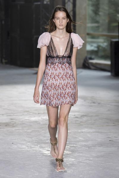 Giambattista Valli Spring 2018 Ready-to-Wear - Look #21