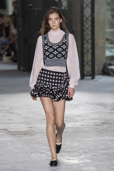 Giambattista Valli Spring 2018 Ready-to-Wear - Look #22