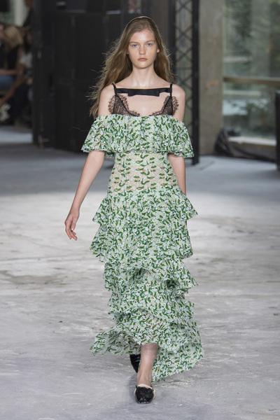 Giambattista Valli Spring 2018 Ready-to-Wear - Look #37