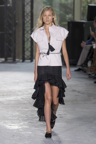 Giambattista Valli Spring 2018 Ready-to-Wear - Look #38