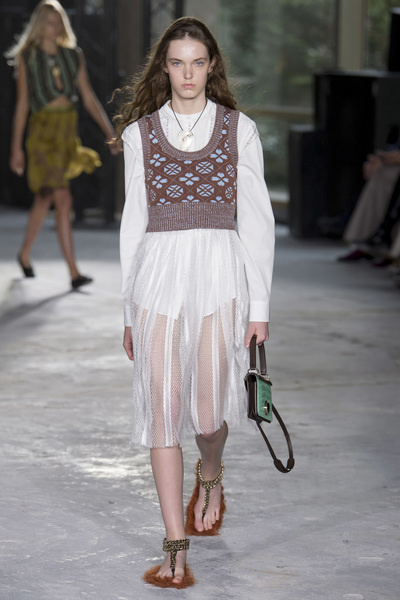 Giambattista Valli Spring 2018 Ready-to-Wear - Look #4
