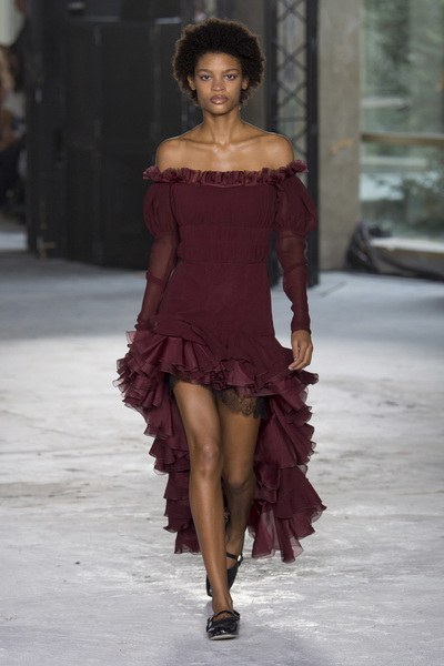 Giambattista Valli Spring 2018 Ready-to-Wear - Look #40