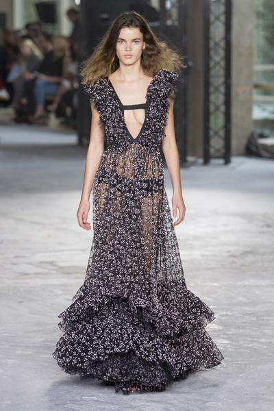 Giambattista Valli Spring 2018 Ready-to-Wear - Look #49