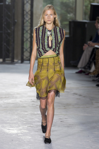Giambattista Valli Spring 2018 Ready-to-Wear - Look #5
