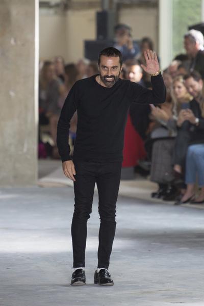 Giambattista Valli Spring 2018 Ready-to-Wear - Look #52