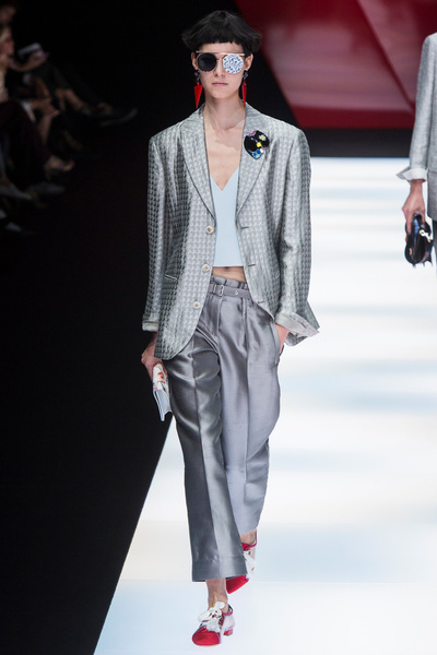 Giorgio Armani Spring 2018 Ready-to-Wear - Look #41