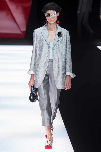Giorgio Armani Spring 2018 Ready-to-Wear - Look #42