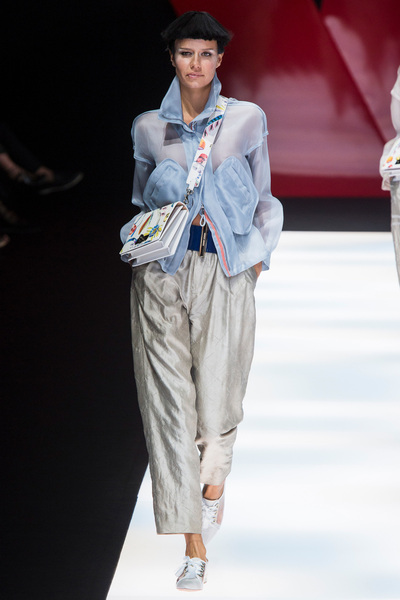 Giorgio Armani Spring 2018 Ready-to-Wear - Look #43