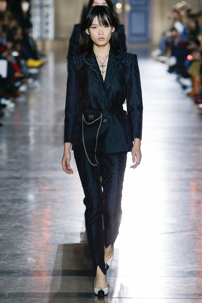 Givenchy Spring 2018 Ready-to-Wear - Look #44