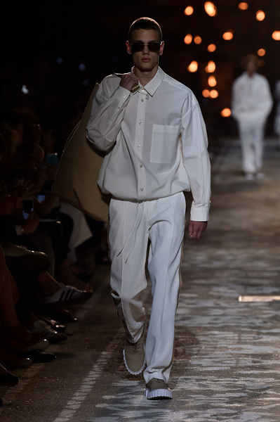 HUGO Spring 2018 Ready-to-Wear - Look #2