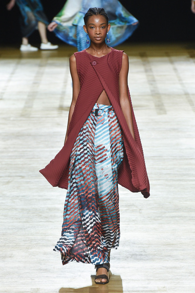 Issey Miyake Spring 2018 Ready-to-Wear - Look #21