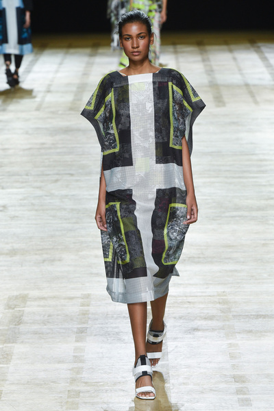 Issey Miyake Spring 2018 Ready-to-Wear - Look #33