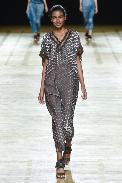 Issey Miyake Spring 2018 Ready-to-Wear - Look #4