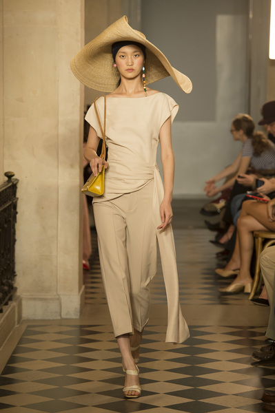 Jacquemus Spring 2018 Ready-to-Wear - Look #27