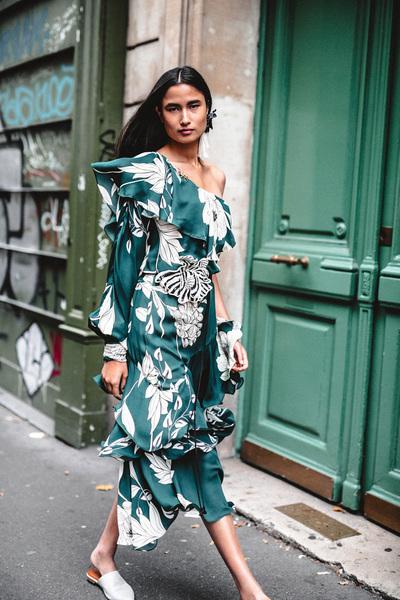 Johanna Ortiz Spring 2018 Ready-to-Wear - Look #17