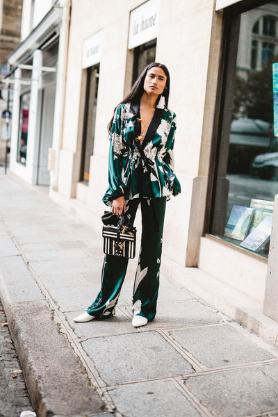 Johanna Ortiz Spring 2018 Ready-to-Wear - Look #18