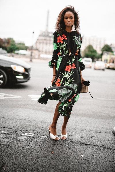 Johanna Ortiz Spring 2018 Ready-to-Wear - Look #33
