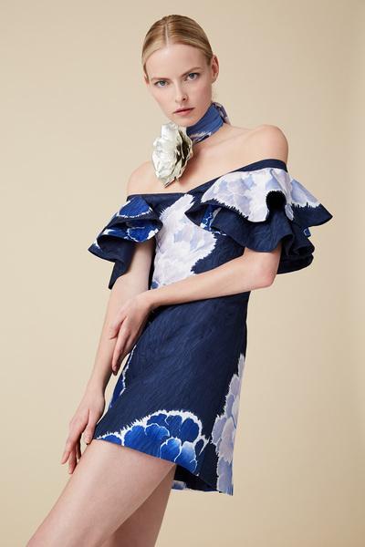 Josie Natori Spring 2018 Ready-to-Wear - Look #16