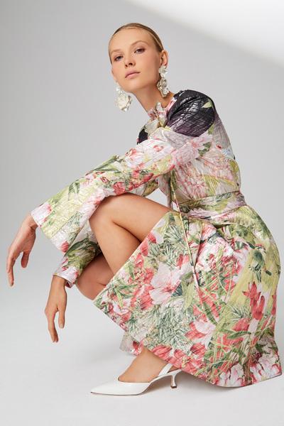 Josie Natori Spring 2018 Ready-to-Wear - Look #3