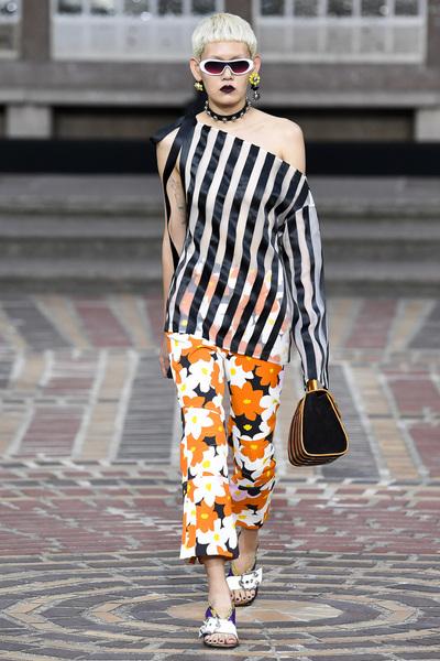 KENZO Spring 2018 Ready-to-Wear - Look #16
