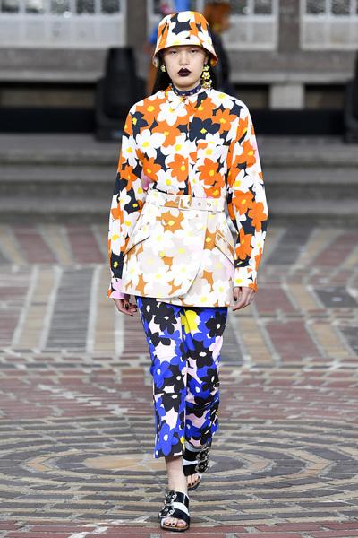 KENZO Spring 2018 Ready-to-Wear - Look #17